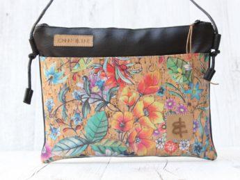 Umhängetasche schwarz primavera mit Fronttasche aus Korkleder