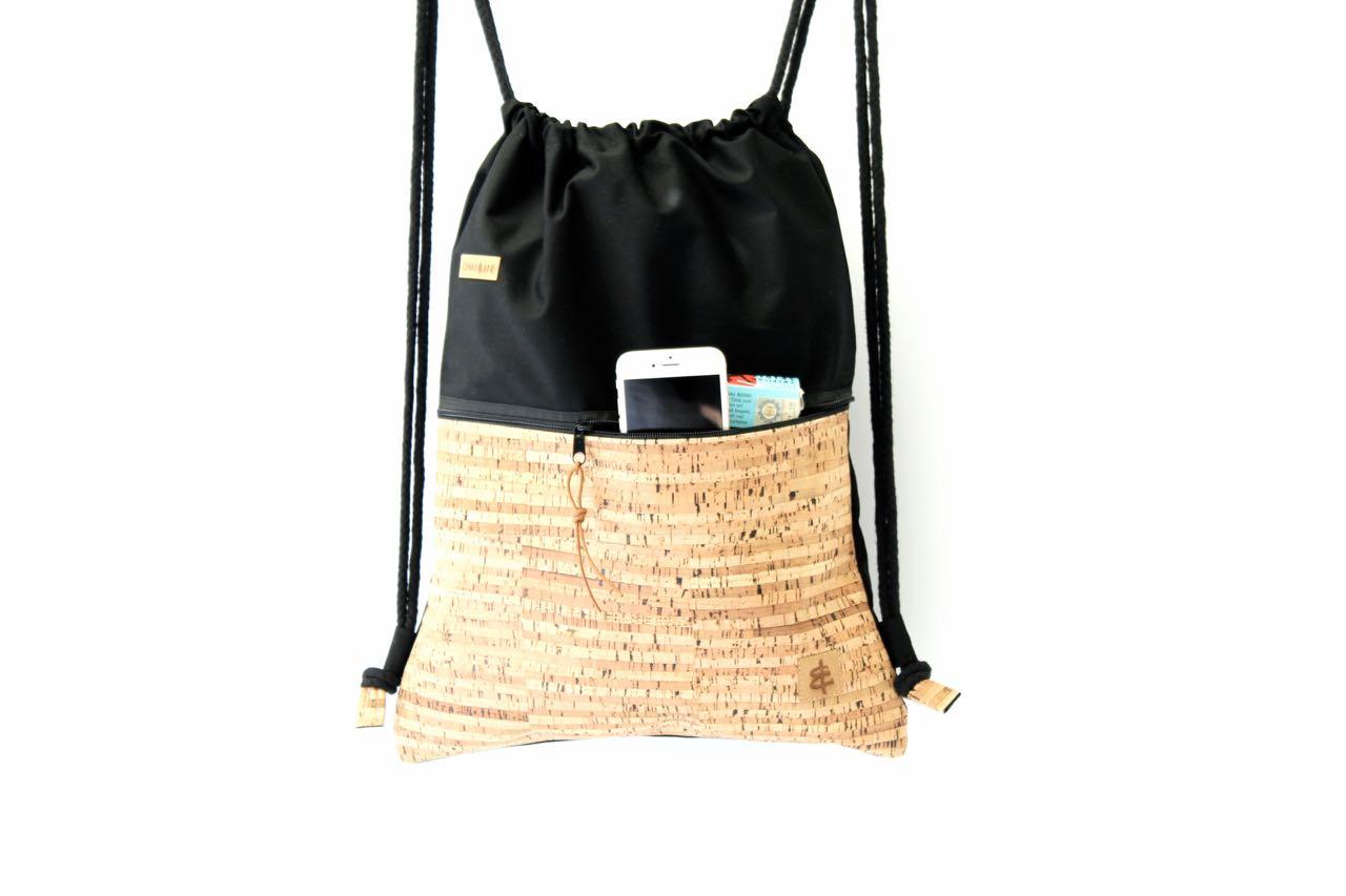 Rucksack aus Baumwolle mit Zip Reißverschluss Tasche aussen aus Kork leder