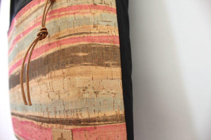 Tote bag mit einer Aussentasche aus Kork Leder mit Reißverschluss